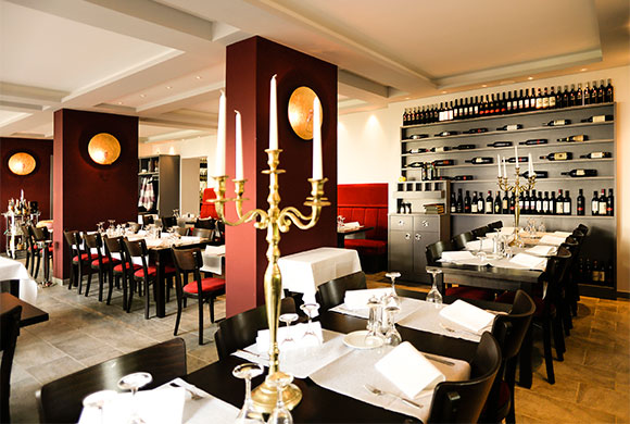 restaurant-rossosiena-gastraum